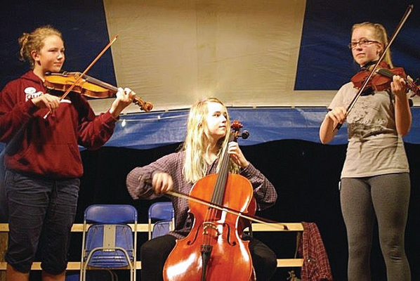 Flicker consists of Ellery Witman and Hilary Weitzner on fiddle, and Avery Witman on cello.
