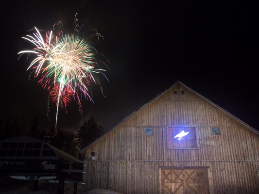 The mountain and sky will light up this weekend to celebrate the New Year. Fireworks light up the sky above Mount Snow. Inset: .